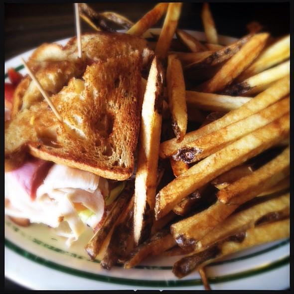 Sandwich @ Mountain Shadows Restaurant