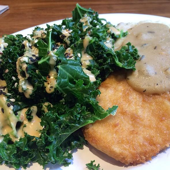 Crispy Chickin Plate @ Veggie Grill