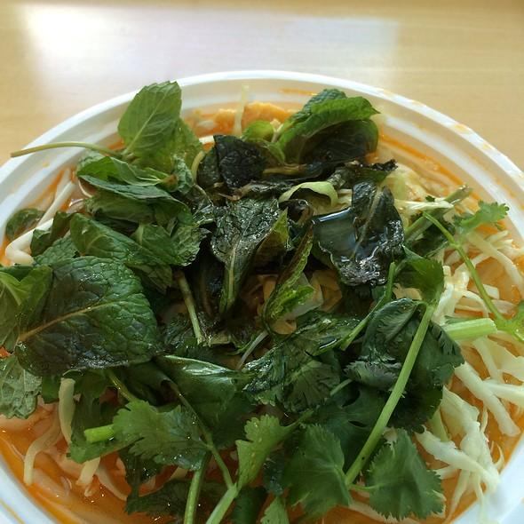 Bún Riêu Crab & Tomato Noodle Soup @ Soup Junkie