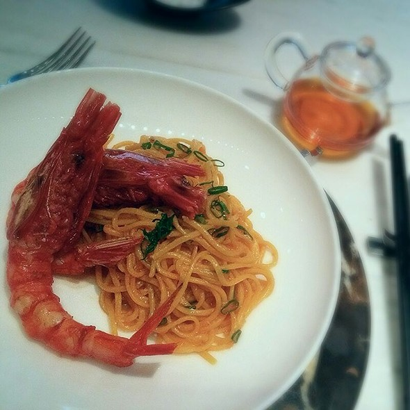 Carabinero Red Prawn, 'Har Mi', 'Lo Mein', Chilli