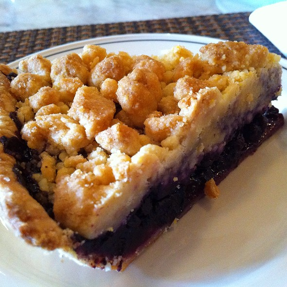 Blueberry Crumble Pie @ Museum Tavern