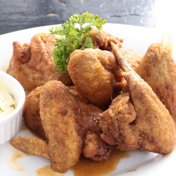 Buffalo Wings @ Cafe Lupe