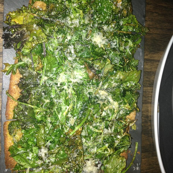 Arugula/Kale Flatbread @ The Cellar At Beecher's