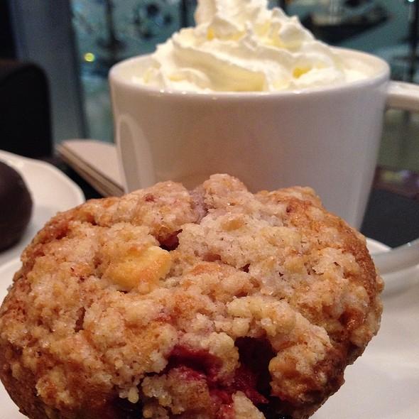 Strawberry And White Chocolate Muffin @ Starbucks