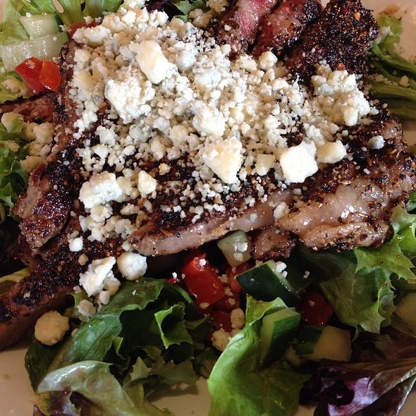 7-Pepper Sirloin Salad @ Longhorn Steakhouse