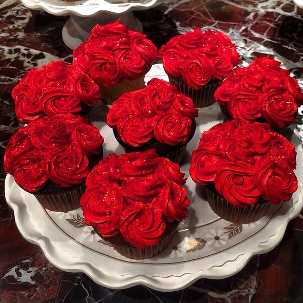 Rose Cupcakes @ wegmans