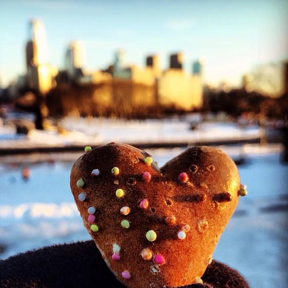 Gingerbread Heart Cookie @ Philadelphia Skyline
