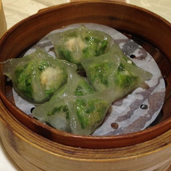 Pea Shoots And Prawn Dumplings