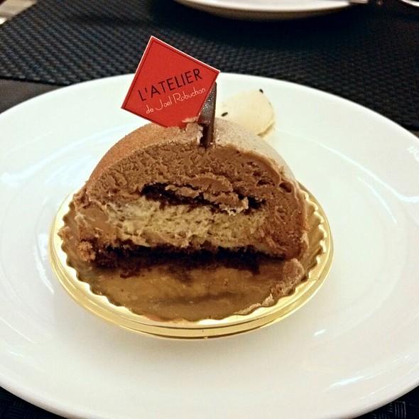 Earl Grey Tea Cake @ Le Salon De Thé De Jöel Robuchon