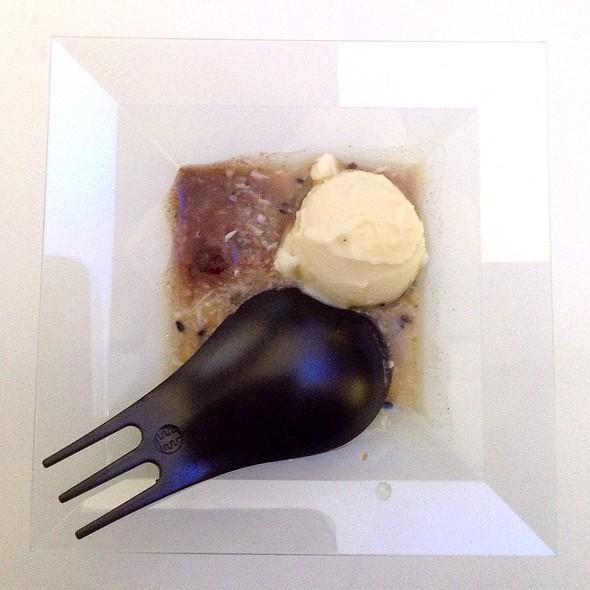 Cardamom Ice Cream With Fondant Chocolate, Black Sesame Seeds And Smoked Tea @ Sala Delle Colonne