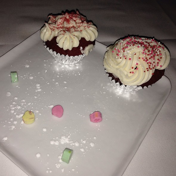 Cupid's Red Velvet Cup Cakes - Clyde's of Tysons Corner, Vienna, VA
