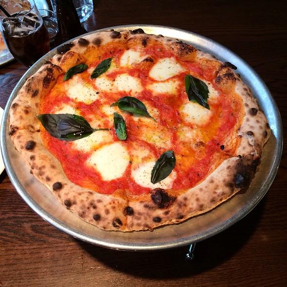 Margherita Pizza @ Pizzeria Vetri