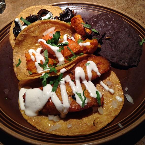 Tacos @ Gracias Madre