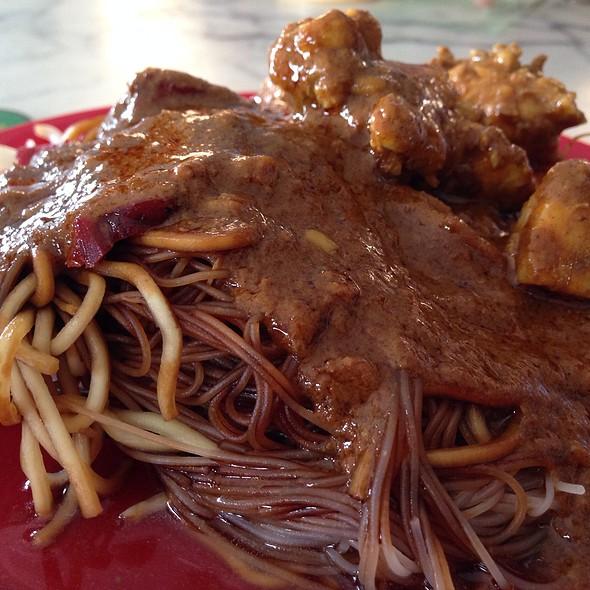 Dry Chicken Curry Mee @ Restoran Yee Fatt Ipoh