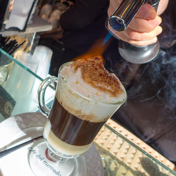 Cafe con Coco
