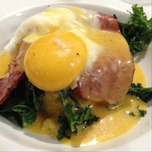 """Eggs """"Dorsey"""" @ I Forgot It's Wednesday"""