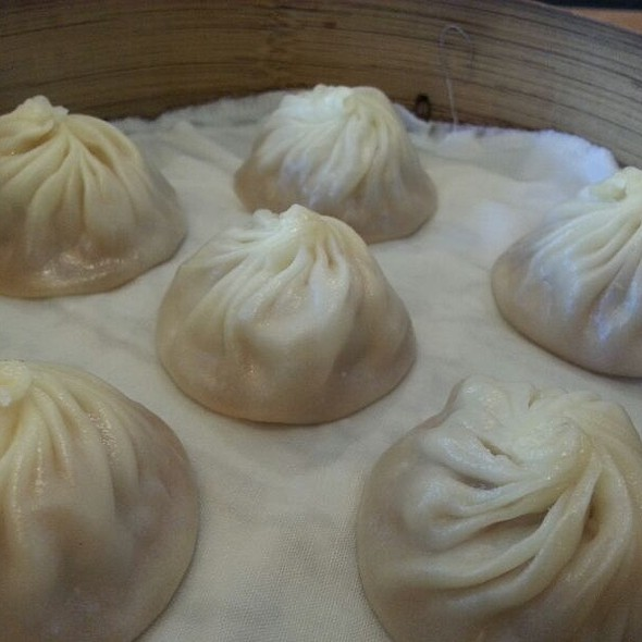 Black Truffle Xiao Long Bao @ Din Tai Fung Restaurant