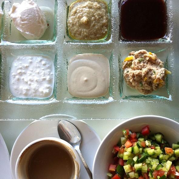 Breakfast @ cafecafe Sokolov 22 Herzliya