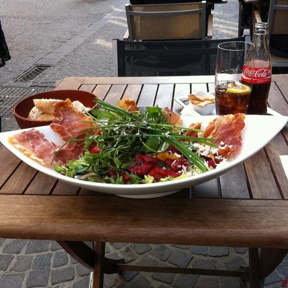 Insalata Riva del Po @ Zoff - Catchy Italian Bar