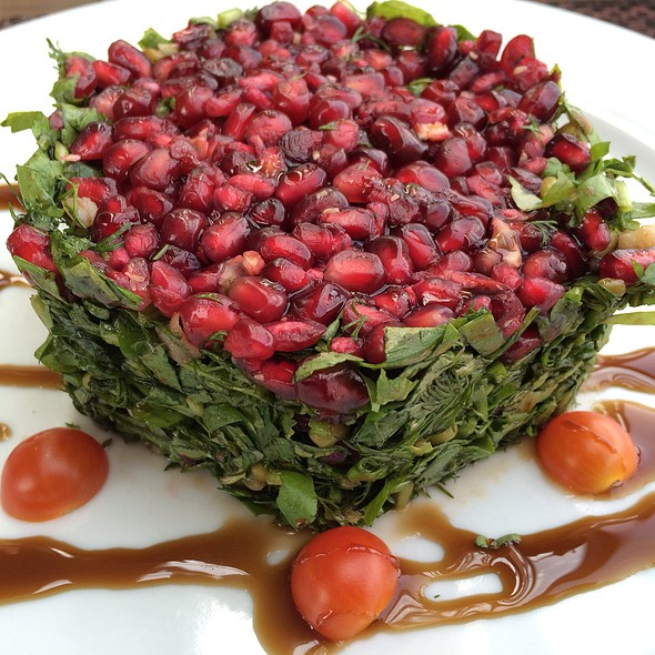 Nar Salatası @ Divan Cafeteria At CERModern