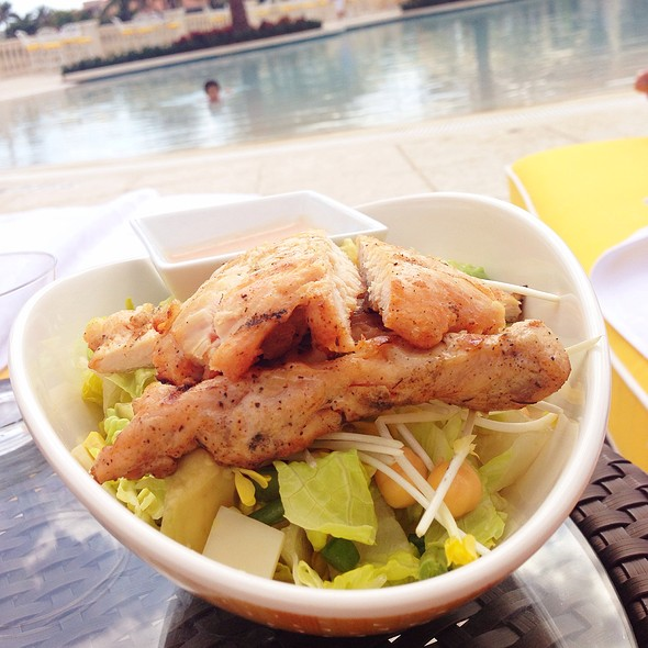 Ivanka's Salad With Grilled Chicken @ Trump National Doral Miami