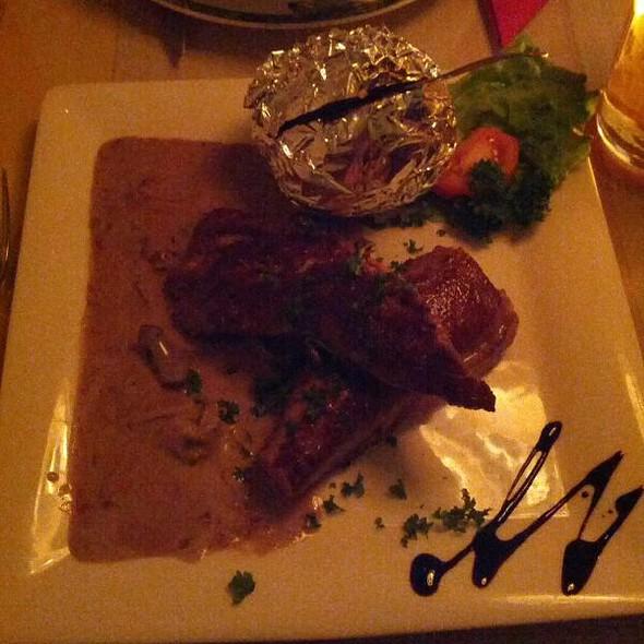 Lamb sirloin with mushroom sauce @ Ítalía