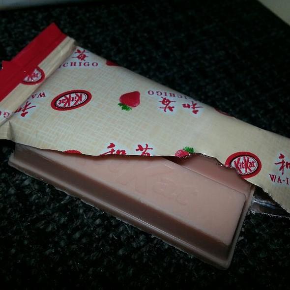 Strawberry Kitkat