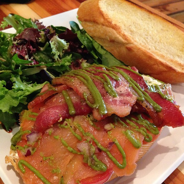 Apple Bacon & Smoked Salmon @ Hiblend Health Bar & Cafe