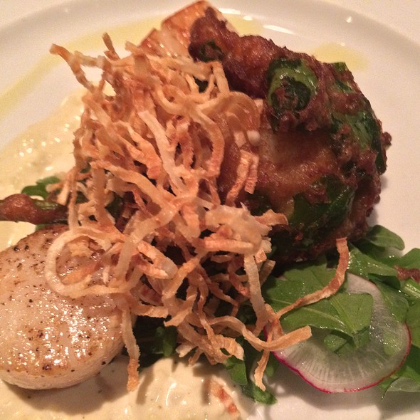 Seared Bay Of Fundy Scallops @ East Coast Bistro