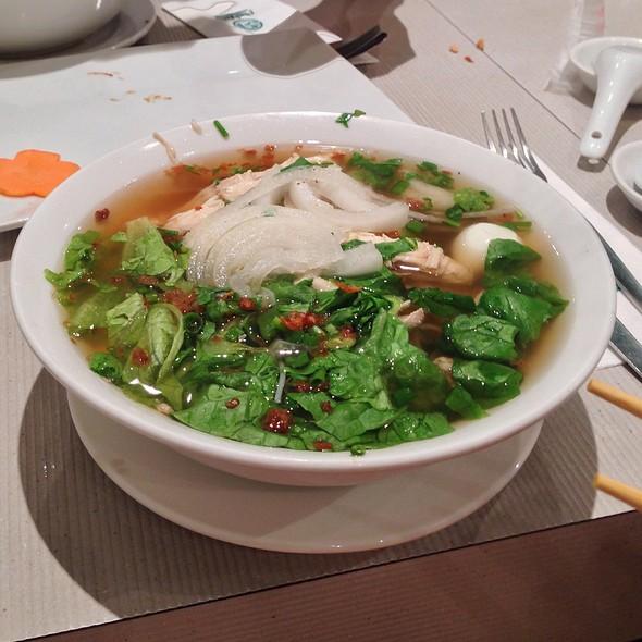Chicken Noodle Soup @ Pho Hoa Vietnamese Noodle House Wilson