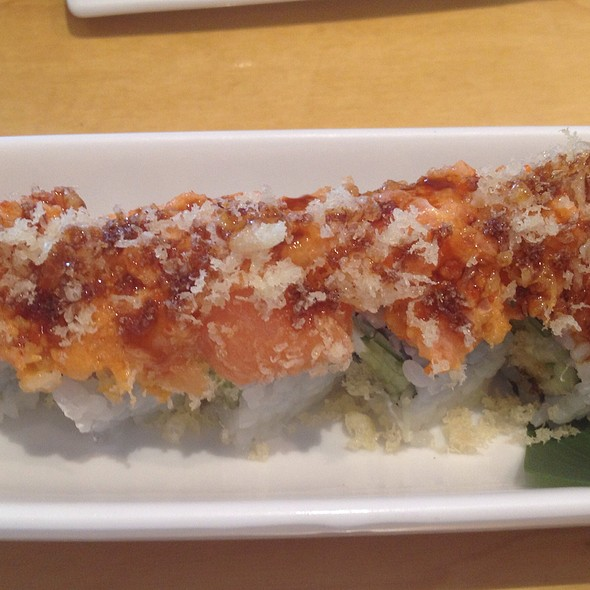 Seared Salmon Maki @ Fish Market Sushi Bar