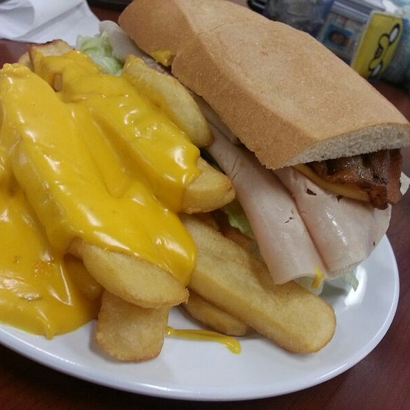 Turkey Sandwich With Cheese Fries