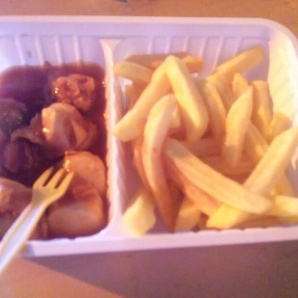 Currywurst w/ Pommes @ Arena Kreis Düren