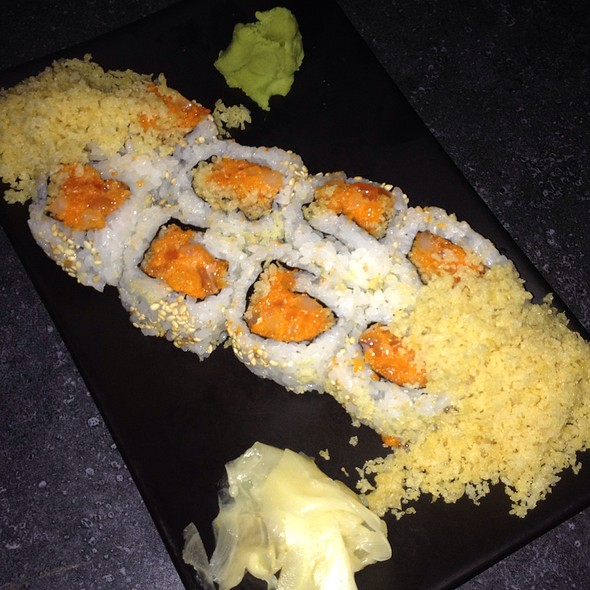 Spicy Lovers Roll - Bottomzup Bar & Grill NYC, New York, NY