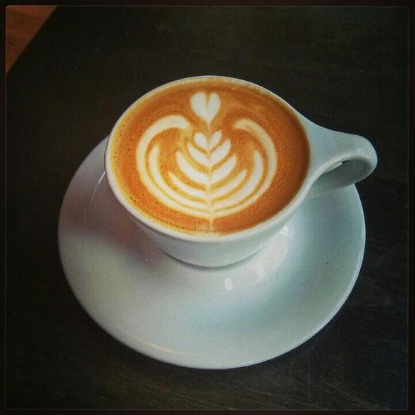 Cappuccino @ Quay Coffee