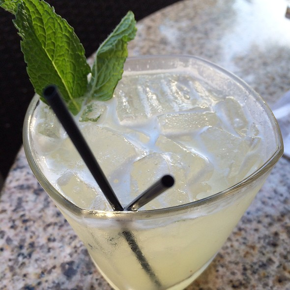 Coconut Mint Lemonade @ Bar Louie