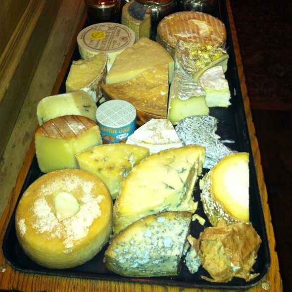Fromager's Cheese Selection