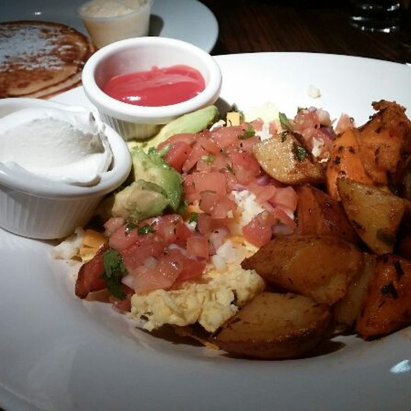 Huevos Rancheros @ Dogwood Cafe