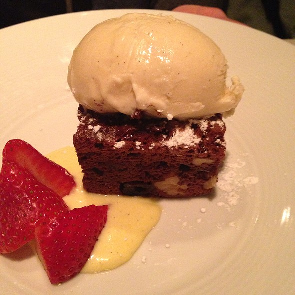 Warm Chocolate Brownie - L'Albatros, Cleveland, OH