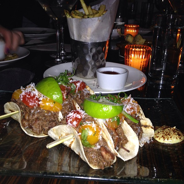 Asian-braised short rib soft tacos @ Stanton Social