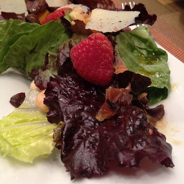Mixed Baby Romaine Salad @ Julian Serrano Tapas