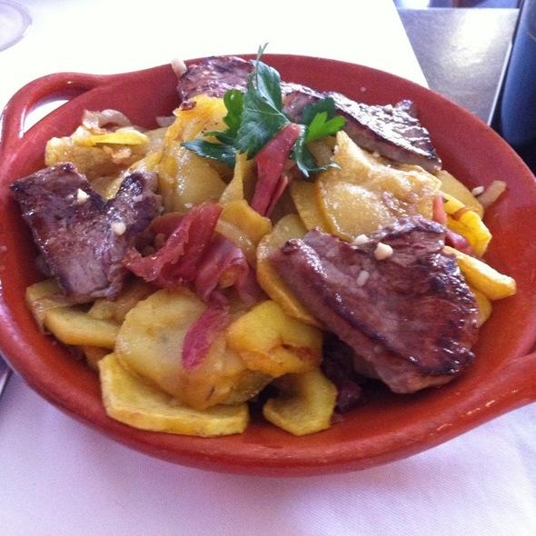 Batatas A Escolinha @ Restaurante Caneiro