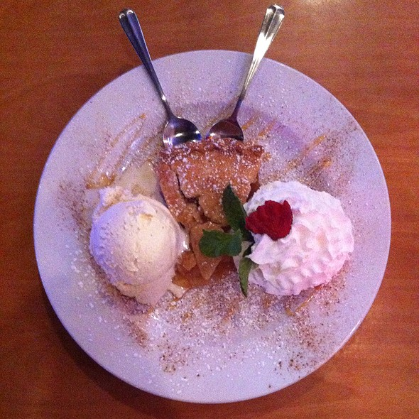 All American Apple Pie @ Toby Keith's I Love This Bar And Grill