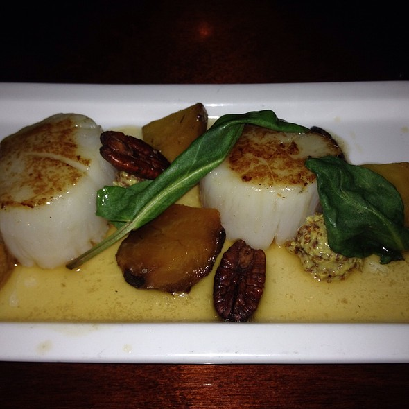 Brown Butter Seared Scallops  @ Zoe's