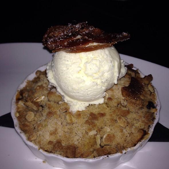 Apple Crumb Yum - Zoes Steak & Seafood, Virginia Beach, VA