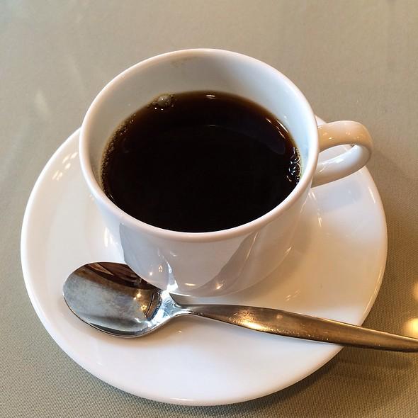 Coffee @ LUNCHAN AVENUE