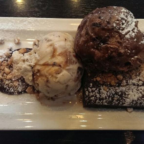 Brownie Explosion  @ Haagen Dazs