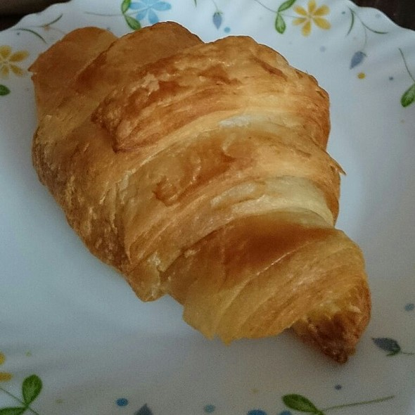 Butter Croissant @ Suzette Bandra