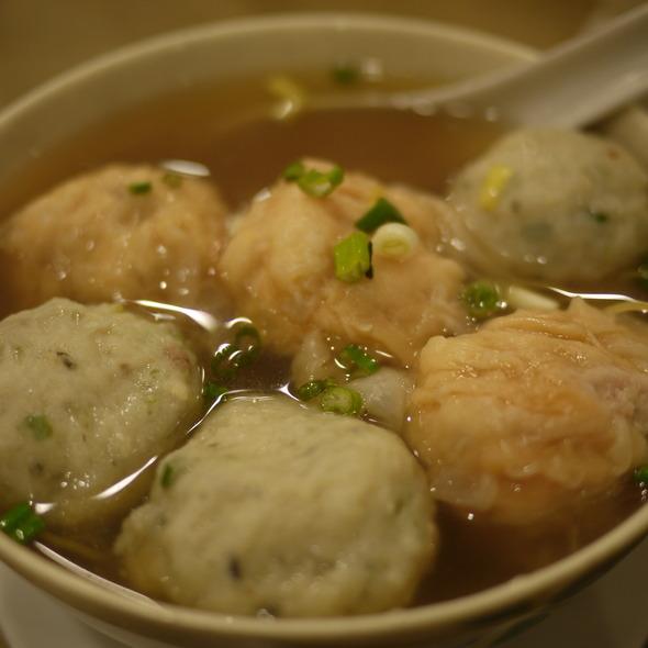 Won ton noodle soup @ Tsim Chai Noodles