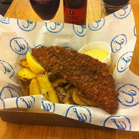 Korean Special: Hot Red Pepper Crusted Fish with Seaweed Salted Chips & Kimchi Sauce @ Bia Mara